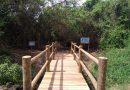 Ilha do Pontal recebe plaqueamento de sinalização e educação