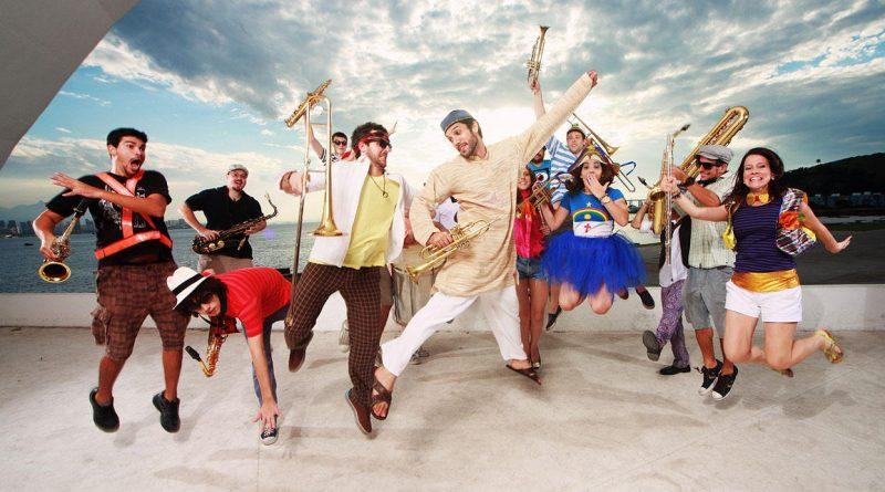 Baile de máscaras com a Sinfônica Ambulante no Teatro Popular